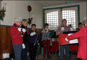 East Berlin Christmas House Tour - The Trinity Church bell ringers<br>