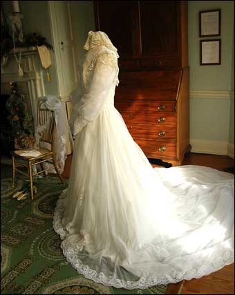 Fairmount Park - Victorian Wedding at Laurel Hill<br>