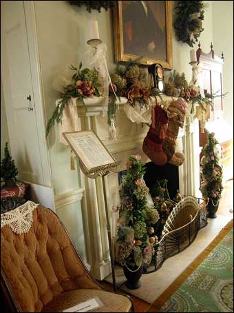 Fairmount Park - Mantle decorated for Christmas inside the Octagonal Room, North Wing, Laurel Hill<br>